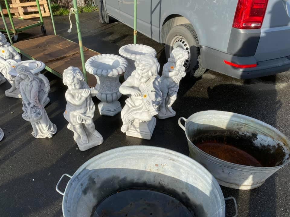 Garten Figuren & Wannen
